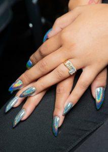 rainbow glitter mittero manicure