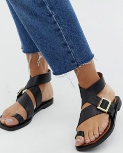 dermatina sandalia