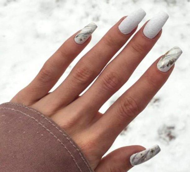Ιδέες για εντυπωσιακά σχέδια στα νύχια μετά τις γιορτές!