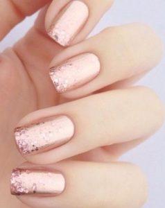 rose gold glitter manicure