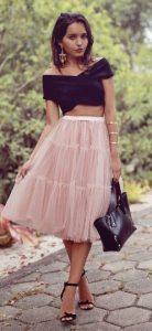 roz fusta kai crop top ekswmo