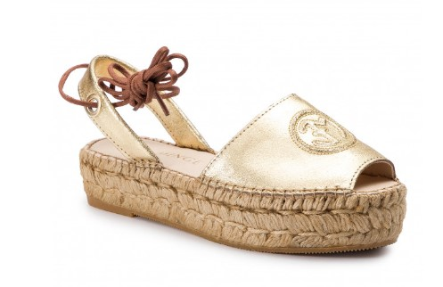 7d9e33fbaed 6 Άνετα και ξεκούραστα παπούτσια για την άνοιξη-καλοκαίρι 2019 ...