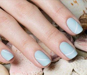 γαλάζια ανοιξιάτικα νύχια