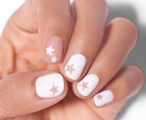 γυναικεία νύχια