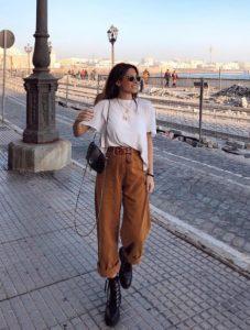 καφέ παντελόνι με tshirt, ediva.gr