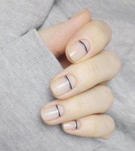 μίνιμαλ ανοιξιάτικα νύχια