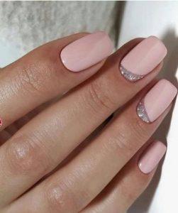 ροζ ανοιξιάτικα νύχια