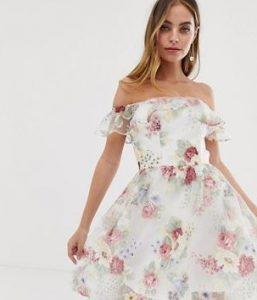 ροζ floral, λευκό φόρεμα