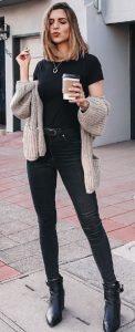 total black outfit, kafe zaketa
