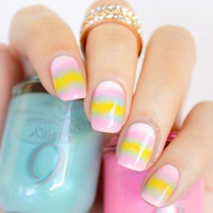 παλ χρωματα στα νυχια για Πασχα