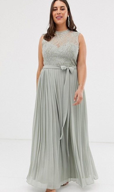 3e44af9ff7 Το συγκεκριμένο φόρεμα θα μπορούσε άνετα να το φορέσει και κάποια η οποία  ετοιμάζεται να γίνει κουμπάρα