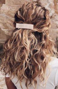 φυσικά κατσαρά μαλλιά