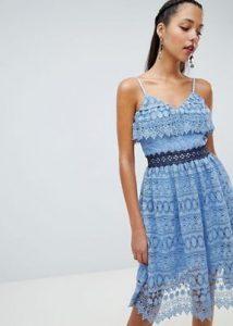 γαλάζιο δαντελένιο φόρεμα