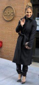 μαύρο μακρύ παλτό