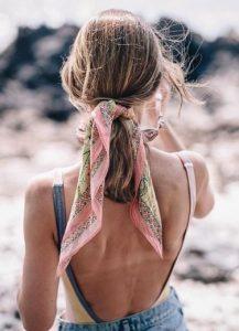 καλοκαιρινό hairstyle με κορδελα