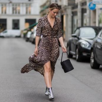 animal print λεοπαρ φόρεμα μακρύ τάσεις 80s επιστρέψει