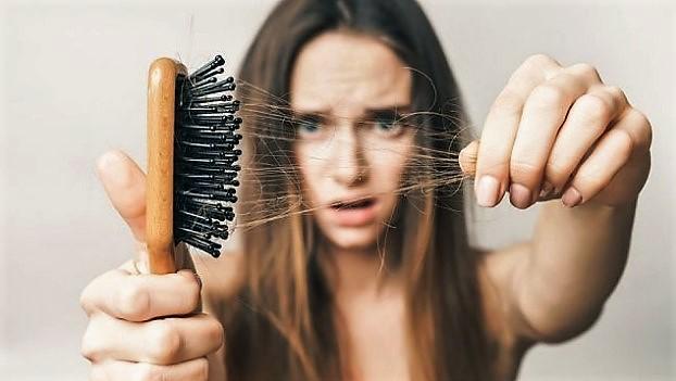 10 Γιατροσόφια για να καταπολεμήσεις την απώλεια μαλλιών!