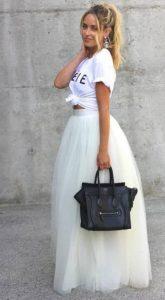 ντύσιμο με φούστα από τούλι