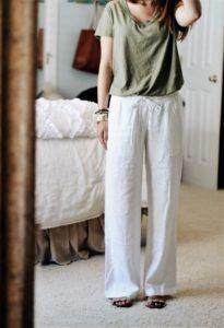 άσπρο λινό παντελόνι t shirt