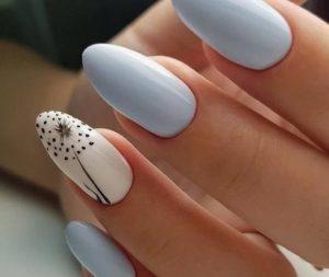 baby blue νύχια με σχέδιο