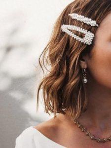 κλιπ μαλλιών πέρλες καρέ τσιμπιδάκια γάμος καλοκαίρι χτένισμα