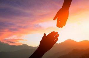 χέρι βοήθεια προσφορά δώσε άλλους