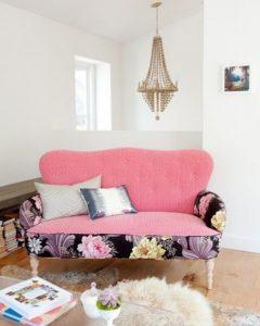 διθέσιος καναπές με λουλούδια