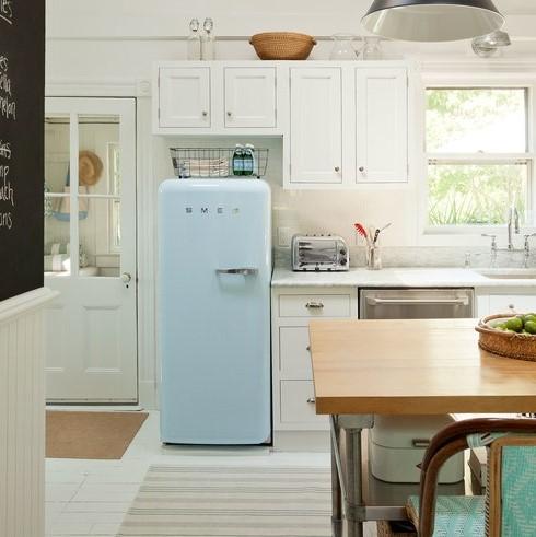 ψυγείο γαλάζιο καλάθι αποθήκευση εξοικονομήσεις χώρο μικρή κουζίνα