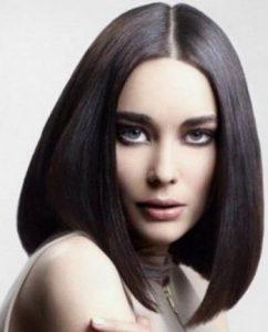 μαύρο χρώμα μαλλιών με καρέ κόψιμο μαλλιών