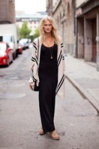 φόρεμα μακρύ maxi μαύρο ζακέτα άσπρη