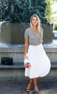άσπρη φούστα κάτω από το γόνατο