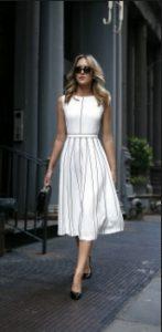 μίντι φόρεμα άσπρο ριγέ αμάνικο ψηλοτάκουνα πέδιλα