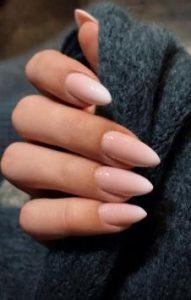 αμυγδαλωτά γυναικεία νύχια