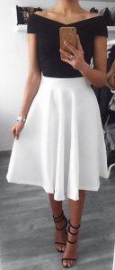 μέτριου μήκους άσπρη φούστα