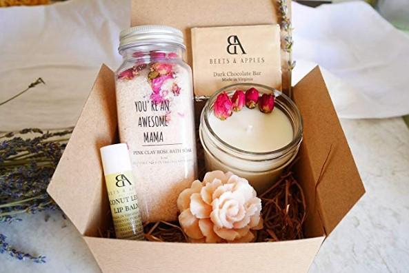 6 Όμορφα δώρα για να κάνεις στη μαμά σου!