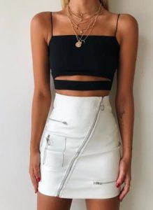 άσπρη τζιν φούστα με μαύρο τοπ