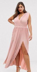 plus size φόρεμα καλεσμένη σε γάμο