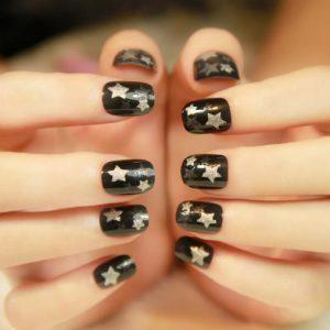 μαύρα πρωτότυπα νύχια