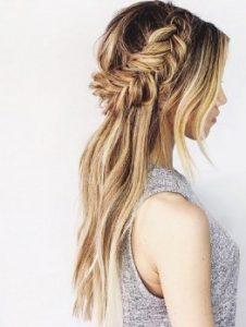 πλεξούδα ψαροκόκαλο μακρύ μαλλί χτένισμα γάμος καλοκαίρι