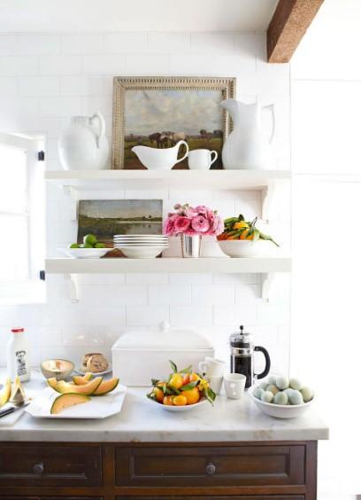 ράφια στην κουζίνα αποθήκευση αντί για ντουλάπια