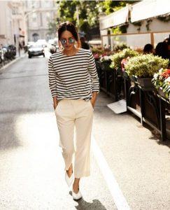ραντεβού μακροχρόνια σχέση άσπρο παντελόνι ριγέ μπλούζα