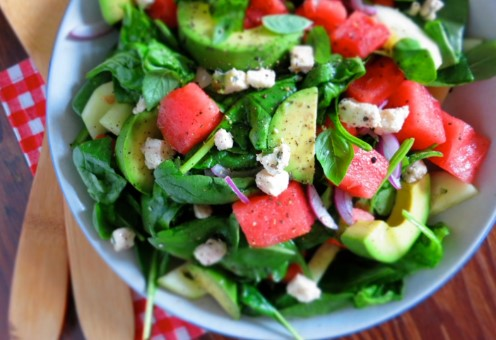 4 Δροσιστικές σαλάτες με καρπούζι για το καλοκαίρι!