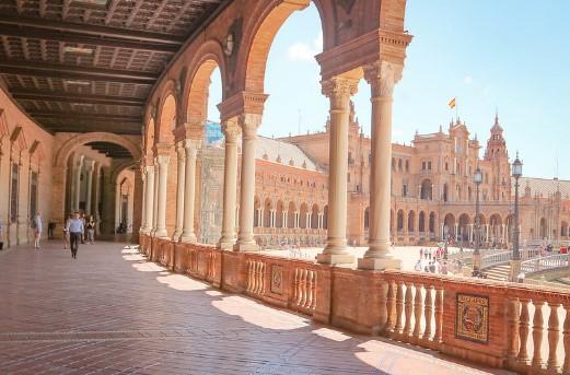 Σεβίλλη Ισπανία καλοκαίρι ζέστη τουρίστες
