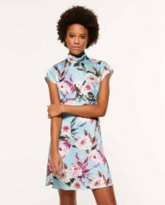 sisley φλοράλ γαλάζιο κοντό μίνι φόρεμα λουλούδια καλοκαιρινή collection