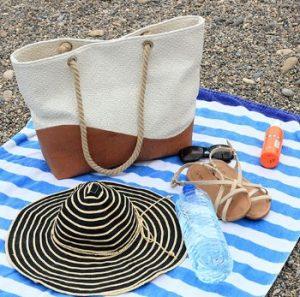 υφασμάτινη τσάντα θαλάσσης δίχρωμη καφέ μπεζ καπέλο