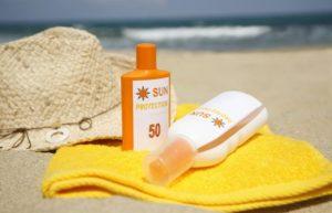 αντηλιακό πετσέτα κίτρινη παραλία καπέλο προϊόντα ομορφιάς ψυγείο