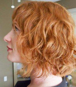 beach waves σε κοντά γυναικεία μαλλιά