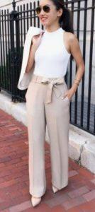εντυπωσιακή γυναικεία εμφάνιση με παντελόνι με ζώνη στη μέση