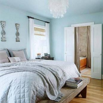 γαλάζιος τοίχος υπνοδωμάτιο κρεβάτι