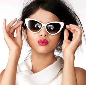 γυαλιά ηλίου άσπρο σκελετό μυτερά cat eye στρόγγυλο πρόσωπο